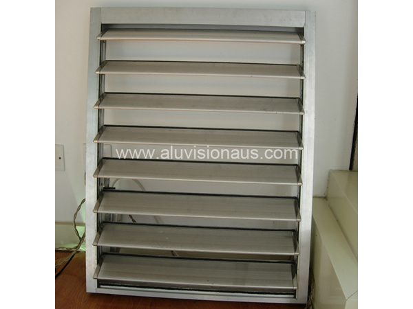 Aluminum shutter window
